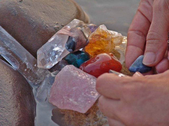Limpieza de piedras y amuletos